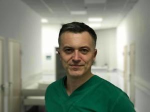 Владмири Новиков врач ортопед-травматолог