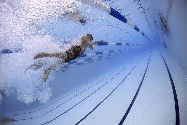 судороги ног в бассейне